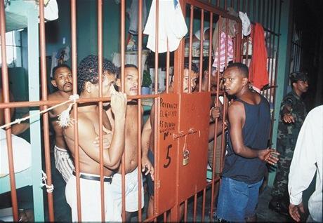 la penitenciaria nacional de la victoria es la carcel mas grande de